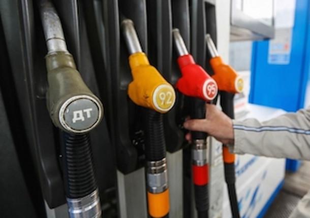 В Тольятти уменьшились цены на бензин